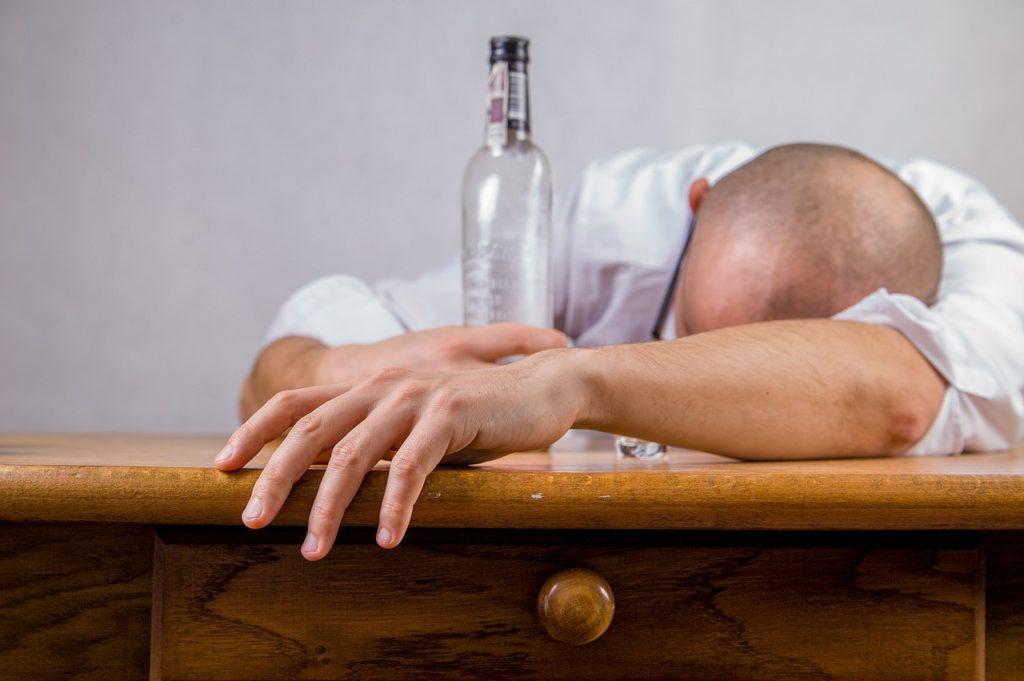 アルコール飲むならビタミンB1を忘れずに